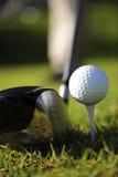Golfspeler in actie Royalty-vrije Stock Afbeeldingen