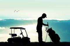 Golfspeler bij zonsondergang royalty-vrije illustratie