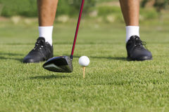 Golfspeler klaar weg tee Royalty-vrije Stock Foto