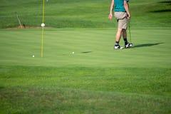 Golfspieler, Golfspieler, auf dem Grün, reifer Mann, nicht erkennbar, copyspace stockbilder