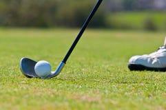 Golfspieler in einem Golfplatz Lizenzfreies Stockbild