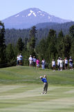 Golfspieler und Berg Lizenzfreies Stockbild