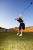 Golftreiberschwingen lizenzfreie stockfotos