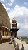 Golgumbaz entourant chez Bijapur Karnataka Photo libre de droits
