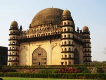 Golgumbaz une tombe d'empereur Adil Shaha images libres de droits