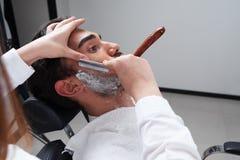 Golić proces zakład fryzjerski twarzy zbliżenie Obrazy Royalty Free