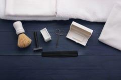 Golić sposoby dla mężczyzna w piękno salonie Obraz Royalty Free
