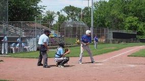 Golpe del béisbol almacen de metraje de vídeo