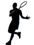 Golpe do jogador de ténis do homem foto de stock