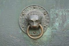Golpeador de puerta decorativo Imagen de archivo libre de regalías
