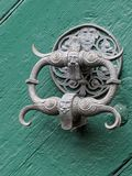 Golpeador de puerta en Baviera foto de archivo libre de regalías