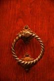 Golpeador de puerta italiano viejo Foto de archivo