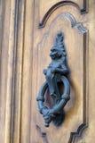 Golpeador de puerta viejo Fotografía de archivo libre de regalías