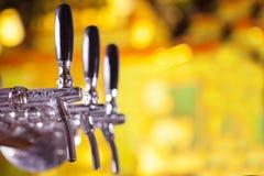 Golpecito de la cerveza Imagen de archivo libre de regalías
