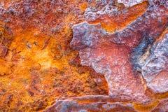 Golpeteo anaranjado rojo de la textura del moho de la corrosión del metal abstracto viejo del hierro imagen de archivo libre de regalías