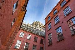 Golutvin工厂的砖建筑学在莫斯科,俄罗斯 图库摄影