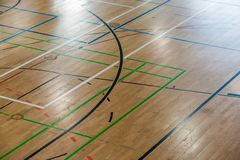 Golv av en sportkorridor med talrika spelplaner royaltyfri bild