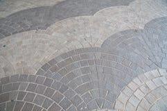 Golv för tegelplattor för sten för vågtegelplattagrå färger Royaltyfria Bilder