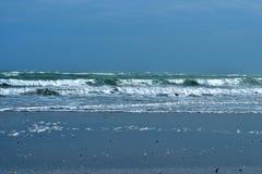 Golven bij het overzees, strand bij eiland Pelestrina Royalty-vrije Stock Fotografie