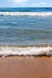 Golven bij het strand Royalty-vrije Stock Afbeelding