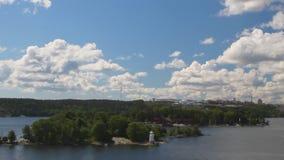 Golven en eilanden in Scandinavië Stockholm, Zweden stock video