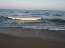 Golven in het strandleven royalty-vrije stock foto