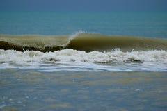 Golven op het strand in Lido Di Jesolo Stock Afbeelding