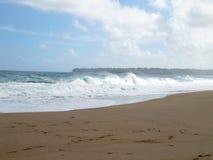 Golven op Lumahai-Strand, Kauai, Hawaï Stock Afbeelding