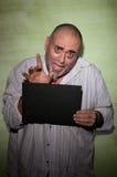 Golvende mens in mugshot Royalty-vrije Stock Foto