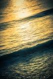 Golvende Oceaanachtergrond royalty-vrije stock afbeeldingen