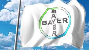Golvende vlag met Bayer AG embleem tegen wolken en hemel Het redactie 3D teruggeven stock illustratie