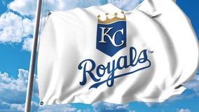 Golvende vlag met embleem van het Kansas City Royals het professionele team Het redactie 3D teruggeven Stock Afbeeldingen