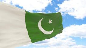 Golvende vlag van Pakistan op blauwe bewolkte hemel stock foto