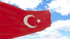 Golvende vlag van Turkije op blauwe bewolkte hemel stock afbeelding