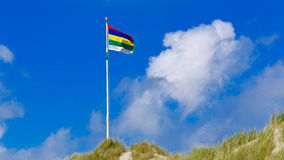 Golvende vlag van westen-Frisian eiland Terschelling Royalty-vrije Stock Foto's