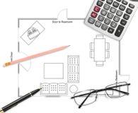 Golvplan med pennan, blyertspennan, glasögon & räknemaskinen Royaltyfri Fotografi