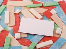 Goma despida com cartão em branco Foto de Stock