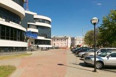 GOMEL, ΛΕΥΚΟΡΩΣΊΑ - 14 Μαΐου 2017: Η οικοδόμηση του ψωνίζοντας κέντρου Pushkin Plaza ψυχαγωγίας στην πόλη Gomel Στοκ Εικόνες