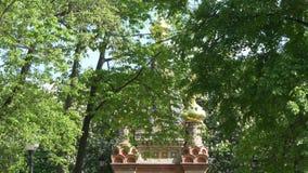 GOMEL, ΛΕΥΚΟΡΩΣΊΑ - 15 ΜΑΐΟΥ 2019: Πάρκο πόλεων Peter και καθεδρικός ναός του Paul φιλμ μικρού μήκους