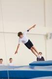Gomel, Λευκορωσία - 12 Νοεμβρίου 2016: Αθλητικοί ανταγωνισμοί στο acrobatics μεταξύ των αγοριών και των κοριτσιών γεννημένων το 2 Στοκ Εικόνες