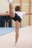 Gomel, Λευκορωσία - 19 Νοεμβρίου 2016: Αθλητικοί ανταγωνισμοί στο acrobatics μεταξύ των αγοριών και των κοριτσιών γεννημένων το 2 Στοκ Εικόνες