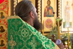 GOMEL, BELARUS - 8 AOÛT 2014 : Église chrétienne orthodoxe à l'intérieur Photos libres de droits