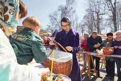 GOMEL, BELARUS - 7 April 2018: Church of St. George the Victorious. Rite of Easter. stock images
