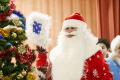 Gomel, Belarus - 20 décembre 2017 : Vacances du ` s de nouvelle année pour des enfants dans le jardin d'enfants Enfants 4 - 5 ans Photo stock