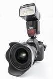 GOMEL, BELARUS - 12 mai 2017 : Appareil-photo de Canon 6d avec la lentille sur un fond blanc Canon est du monde le plus grand SLR Photographie stock