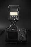 GOMEL, BELARUS - 12 mai 2017 : Appareil-photo de Canon 6d avec la lentille sur un fond noir Canon est du monde le plus grand SLR  Photos stock