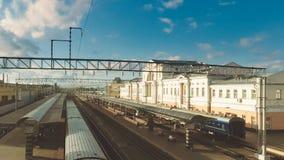 GOMEL BIAŁORUŚ, Lipiec, - 4, 2018: Pociągi przy Gomel stacją zbiory wideo