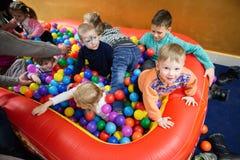 Gomel, Białoruś, Luty/- 21, 2016: children partyjni w miasto domu kultura Zdjęcie Royalty Free