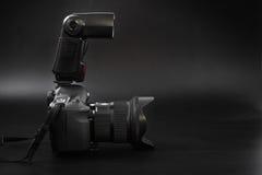 GOMEL BIAŁORUŚ, Maj, - 12, 2017: Canon 6d kamera z obiektywem na czarnym tle Canon jest światowym ` s SLR kamery wielkim manufact Fotografia Stock