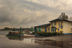 Gomel Białoruś, MAJ, - 1, 2013: KAWIARNIA PRĘTOWY NEMO Rozrywki centrum obraz stock